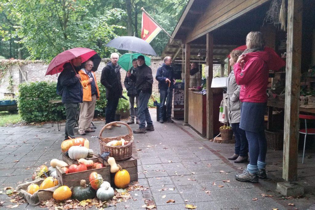Vrijwilligersmiddag bij De Ommuurde Tuin