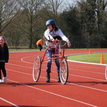 Racerunners op trainingspakken wedstrijd Ede